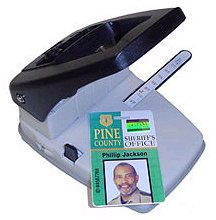 3 in 1 ID Card Slot Punch and Corner Rounder with Guide